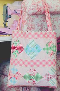 Lizzie Anne Bag - Retail $9.00